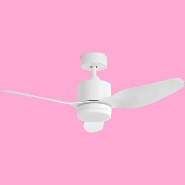 MAUI, ventilador de techo con motor DC y funciones programables mediante mando a distancia.