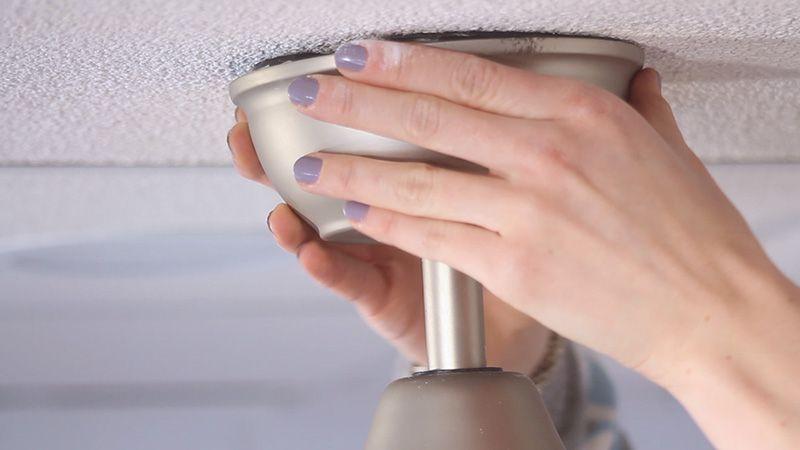 Pasos para instalar tu ventilador de techo BORA - Colocar embellecedor superior