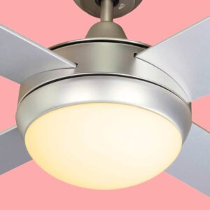 Ventilador de techo BORA con tres temperaturas de color, luz cálida.