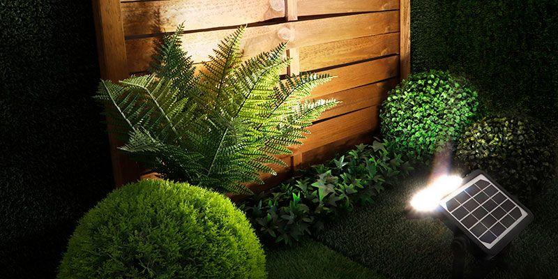 Claves para elegir la mejor iluminación solar para el jardín o la terraza