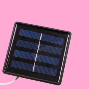 Guirnalda solar LIRA detalle panel solar frontal